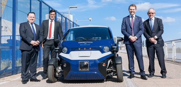 South Australian Transport Minister gets to grips with UK driverless initiatives